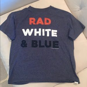 Boys rad white and blue T-shirt. Size small.